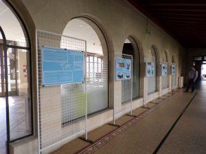 cloître de l'ancien couvent pour l'exposition des posters